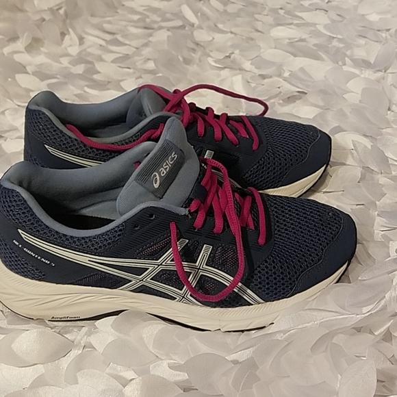 Asics women 8.5 size shoes